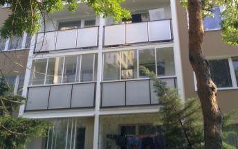 Zasklievanie balkonov